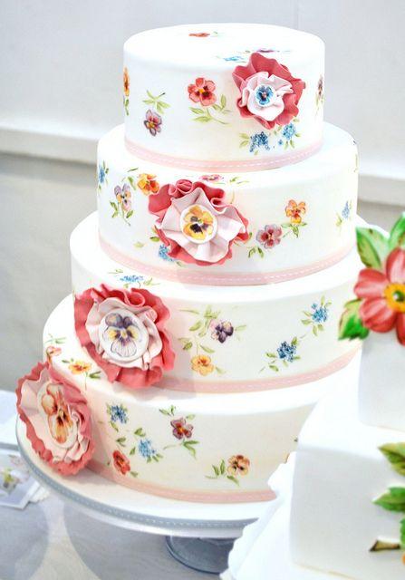 Gorgeous wedding cake by Nevie Pie Cakes