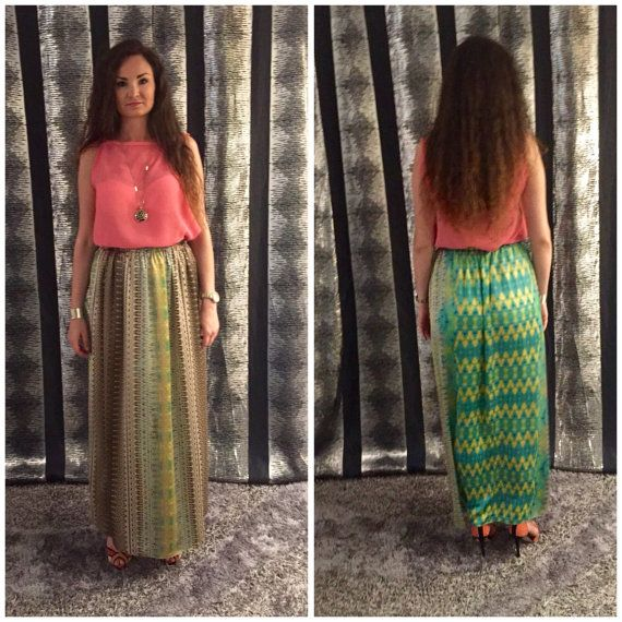 Beautiful maxi skirt, high waist with elastic casing that ensures a nice fit around the waist.It has floorlenght.Very easy to wear: put on a…