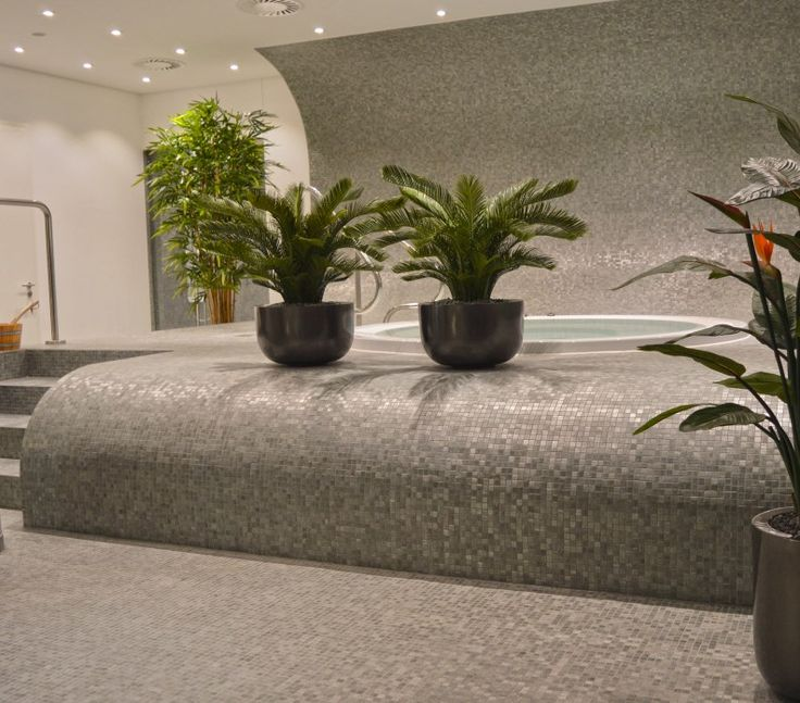 Cool This luxury Wellness area in Hamburg uses high quality artificial plants to fort it us visitors