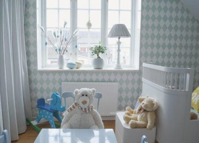 Farmhouseshop.se - Barnmöbler | Inredning till barnrummet | Personliga doppresenter: Barnrummet hemma hos Add Simplicity - harmoni med Feng Shui
