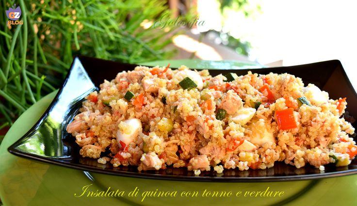 Insalata di quinoa con tonno e verdure, fresca e ricca di gusto, è un piatto favoloso, perfetto per l'estate; ricca di proteine ed elementi nutritivi.