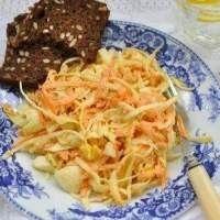 Детский салат из моркови с капустой