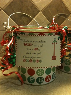First Grade O.W.L.s: X-mas gifts for parents and teachers~ Gift tag freebies!