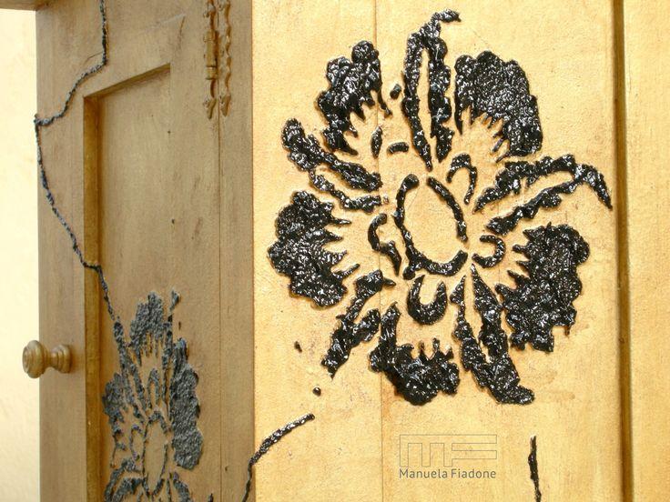 http://www.riusodecor.com/comodini-dipinti-uguali-e-diversi/ #comodini #painted