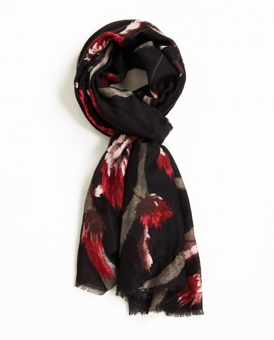 zwarte-sjaal-met-bold-bloemenprint