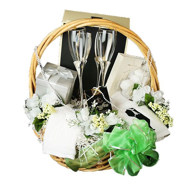 best 25 wedding gift baskets ideas on pinterest auction baskets raffle baskets and raffle prizes. Black Bedroom Furniture Sets. Home Design Ideas
