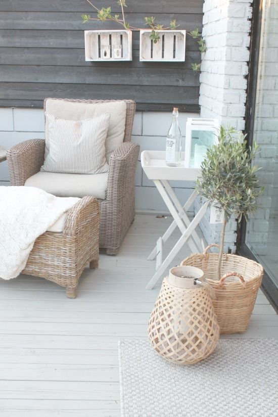 light and airy outdoor living #summer #outdoorspace