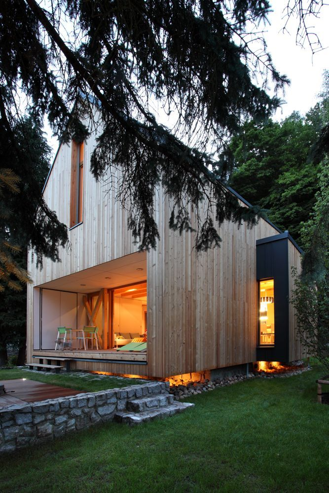 Stribrna Skalice House in the Czech Republic, designed by architects Prodesi | Domesi: a contemporary weekend house built on the footprint of an original cottage and clad in untreated larch. (photo Lina Németh)