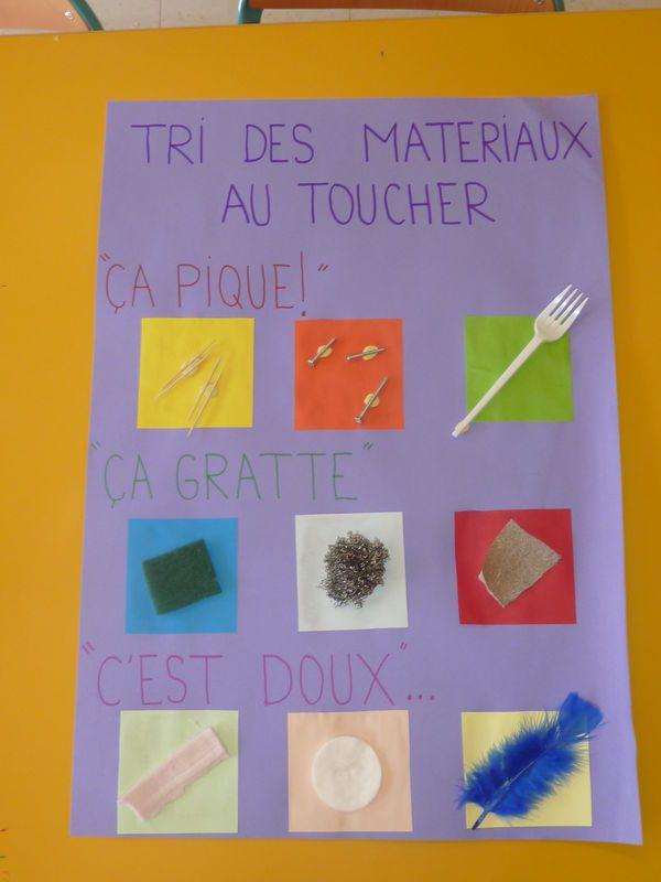 le toucher : tri de matériaux. 5 sens