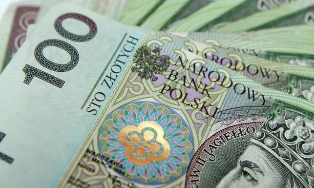"""Polscy politycy nie potrafią liczyć -    Ryszard Petru, szef Towarzystwa Ekonomistów Polskich powołuje stowarzyszenie Nowoczesna.PL. To jego odpowiedź na """"nieudolność rządu"""" i """"ciepłą wodę w kranie"""". – Niektóre argumenty polityków, które u nas dominują, w każdym lepiej rozwiniętym kraju po prostu by nie p... http://ceo.com.pl/polscy-politycy-nie-potrafia-liczyc-17412"""
