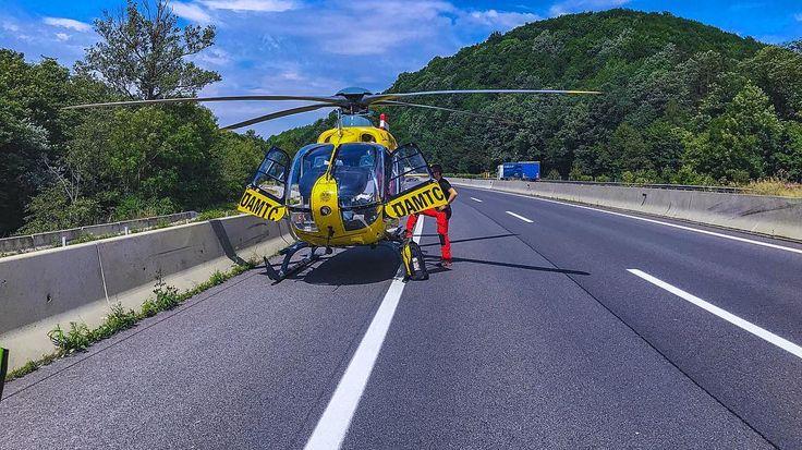 HELICOPTER ON HIGHWAY  #einsatz #a21 #autobahn #niederösterreich #helicopter #totalsperre #rettungsdienst #rettung #emergency #heli #öamtc #christophorus #c9 #nfs #rs #notarzt #sanitäter #ems #emt #paramedic #flugrettung #ambulance