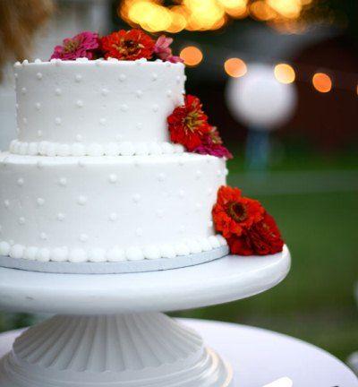 Sabemos lo importante que es la celebración de una boda, por ello cuidamos cualquier detalle. Rico Pastel de Fondant y Flores naturales. Sweet smile