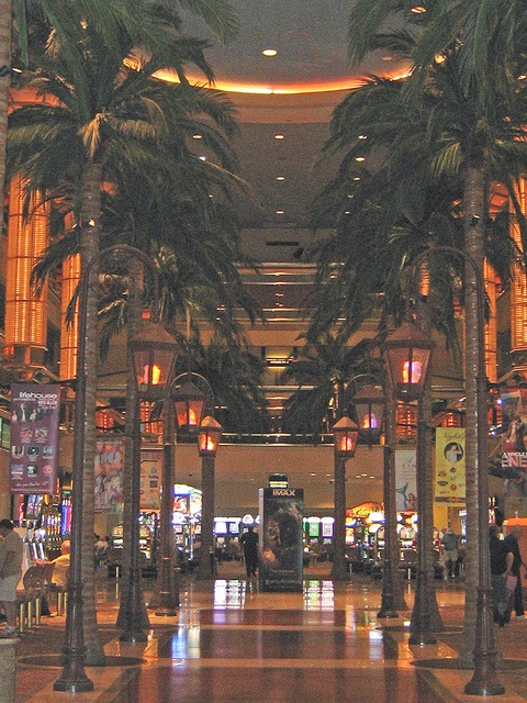 Tropicana Casino Atlantic City, NEW JERSEY. (by RonDeeView, via Flickr)