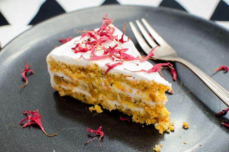 Wie ein kleines Stück vom Himmel am Teller! Dieser Kuchen schmeckt umwerfend.(Raw Vegan Recipes)