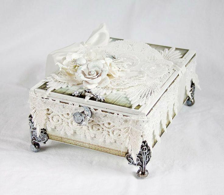 Tiffanys Paper Designs: Shabby altered cigar box.