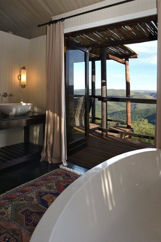 Bath at the Camp Fig Tree Colonial African Lodge