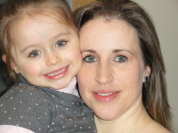 "Carla Leal e a sua fihota Beatriz Leal. 23h59 - 5 ""gostos"""