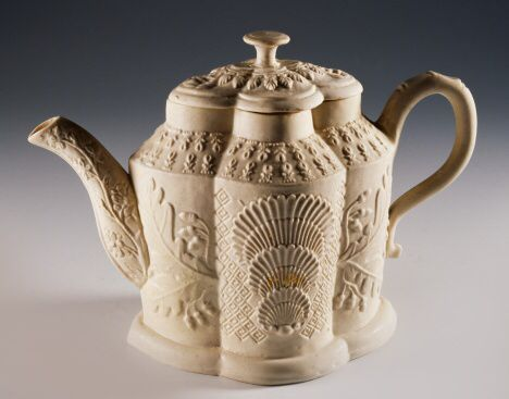 Teapot with oriental-inspired decorations in relief, 1745, ceramic, Staffordshire manufacture. England, 18th century.: