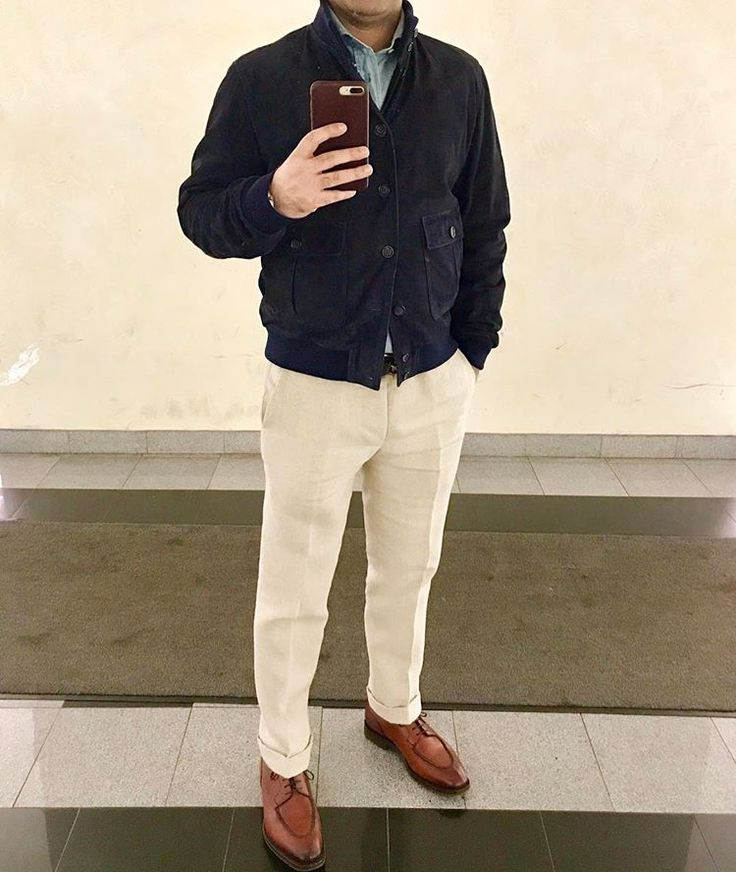 • Valstar Valstarino Navy Suede jacket • MTM heavy linen pants @luxire_com • Linen cotton slubby shirt @suitsupply • Edward Green Rosewood Dovers @leffot #dapper #styleforum #gentlemen #madeinengland #madeinitaly #italianstyle #sartorialist #dandy #sartotial #menstyle #gq #shoelover #italianexcellence
