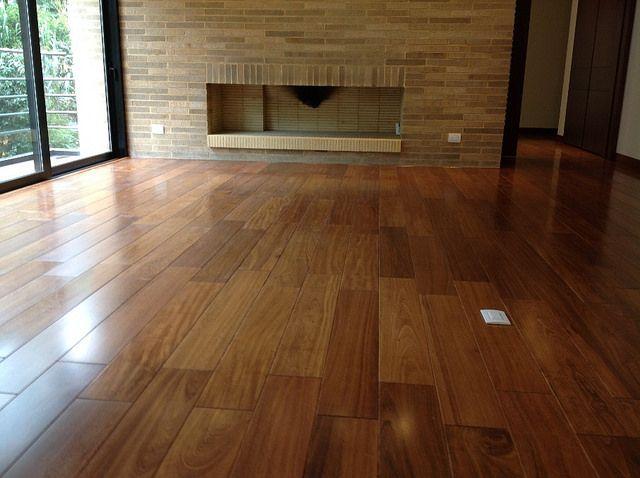 Pisos de madera maciza DIVANO www.divano.com.co