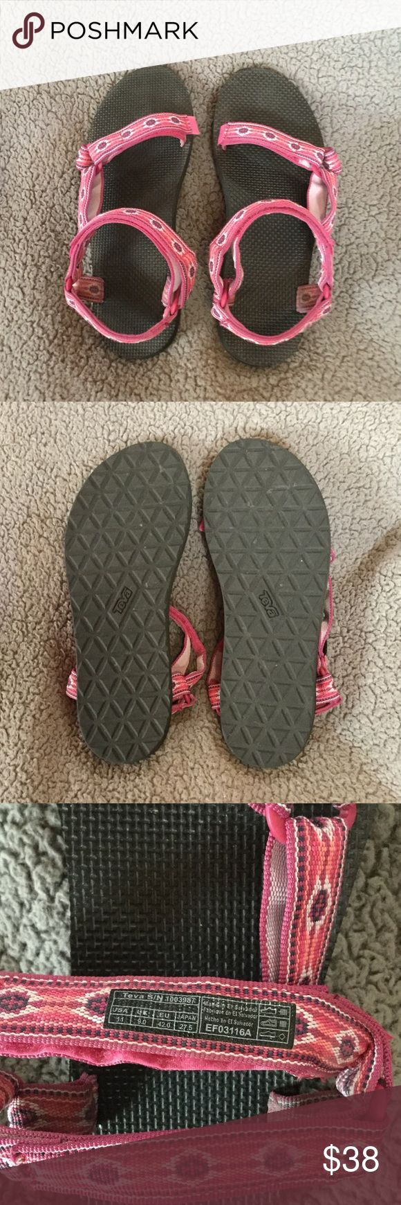 Teva Original Universe sandals Women's size 11 in Black Monterey Raspberry. Worn 3x. Excellent condition! Teva Shoes Sandals