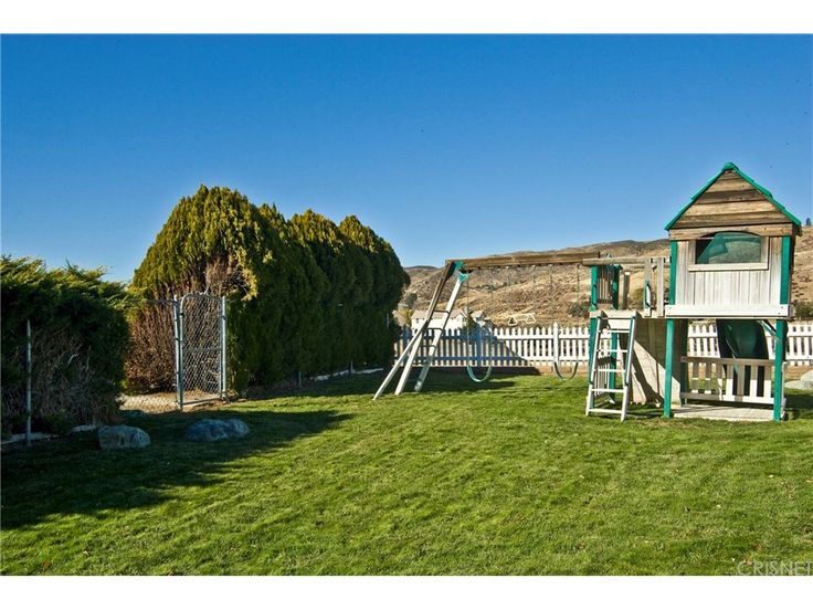 360 Degree Picturesque Views of the Rolling Hills of Leona Valley, Dual Pane Windows in Main House and Guest.