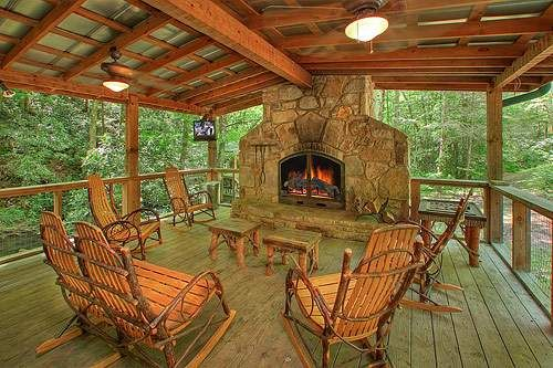 Indian Creek - This fabulous, secluded 3 bedroom cabin sits on the stream and is located 10.6 miles from the Gatlinburg city limit and just minutes from downtown. Enjoy your time next to the wood burning fireplace on the large porch, or relax in the private hot tub over the stream.