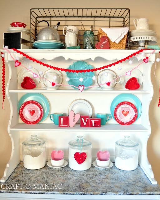 Supposedly decor for valentines day, but I'd love this for any time of year! It's so bright and cheery!