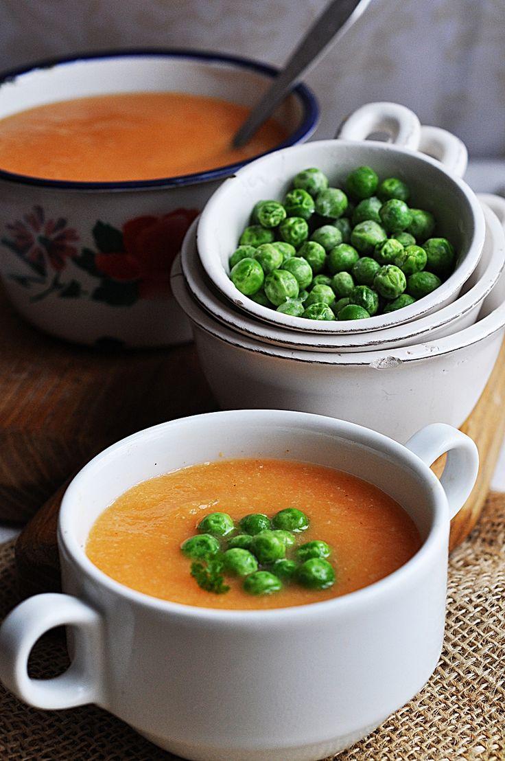 Zupa z marchewki z groszkiem