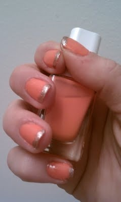 coral and metallic gold manicure #nails #beauty #pink