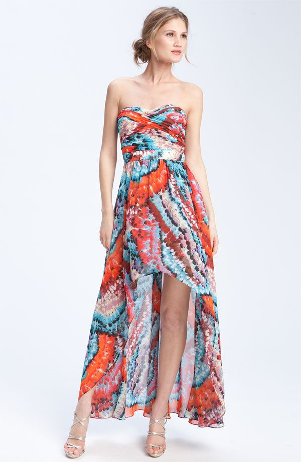 dresses to wear to an outdoor  wedding | What to Wear to an Elegant Spring Beach Wedding or Destination Wedding