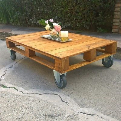 Love This Pallet Coffee Table The Casters Are Perfect