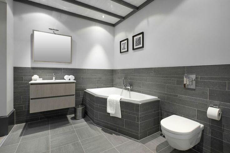 Hoogte van tegelafwerking woning wc badkamer pinterest van - Wc c olour grijze ...