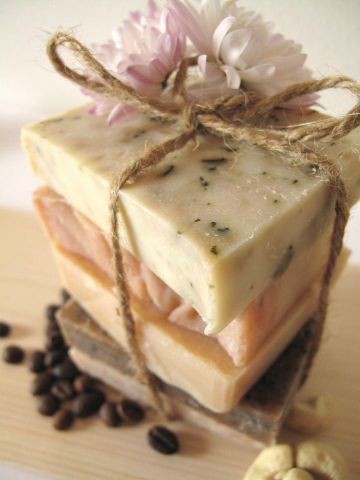 Hand made natural soap, käsintehtyä saippuaa