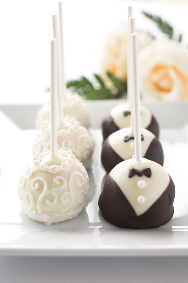 These are so cute!  Would be cute to do the brides favorite flavor and the grooms favorite flavor.