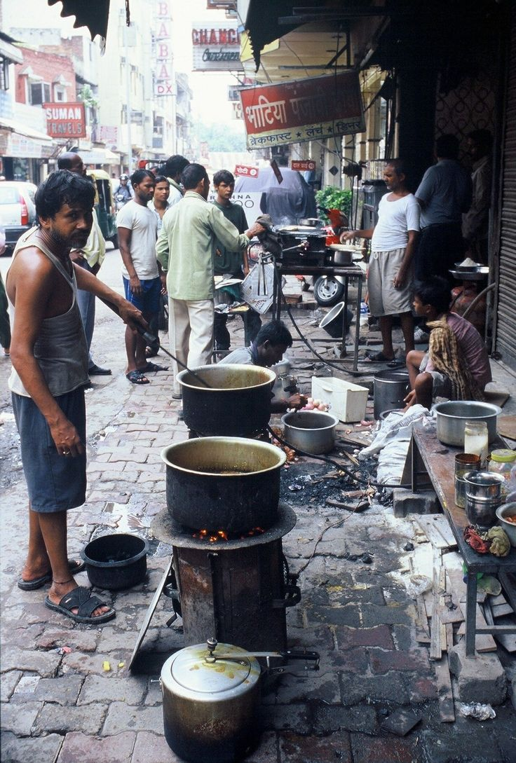 India - Delhi - street food       Photographed by Renato Siani