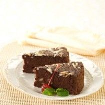 CAKE COKELAT PUTIH TELUR http://www.sajiansedap.com/recipe/detail/6061/cake-cokelat-putih-telur