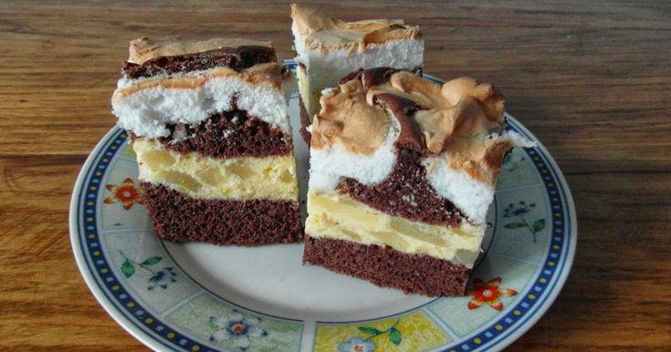 Ciasto łaciaty ananasek. Składniki: biszkopt kakaowy: 6 jajek 10 łyżek cukru 10 łyżek mąki pszennej 2 łyżki kakao 2 łyżecz...