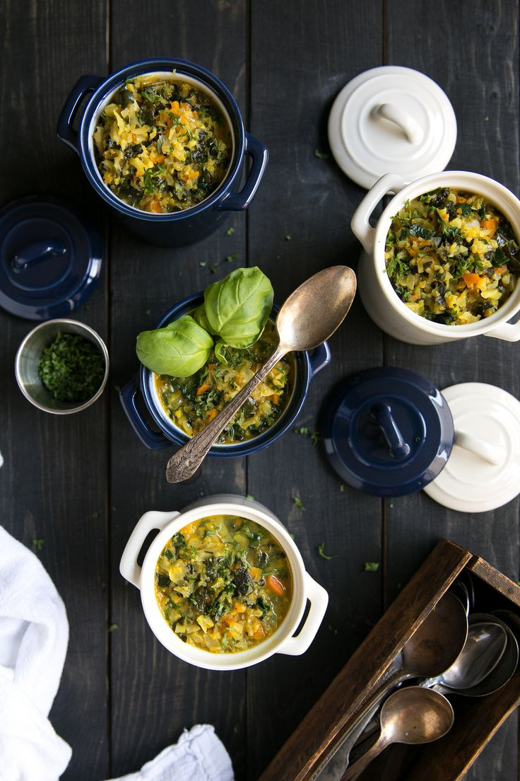 Healthy Curried Kale and Cauliflower Soup