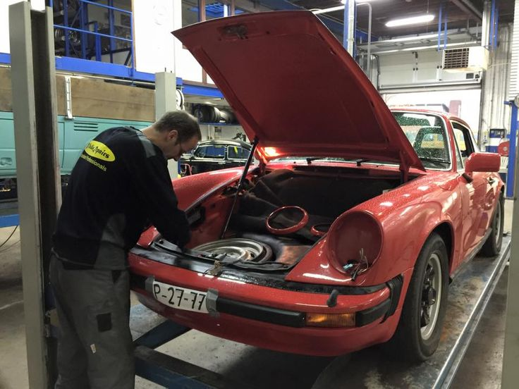 #Porsche911 at the workshop. Imported from Japan and needs European headlights.