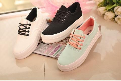 Stylish Woman platform shoes fashion canvas shoes