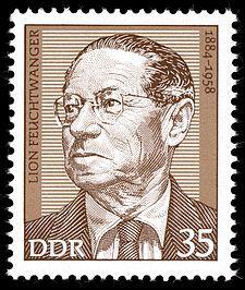 """Lion Feuchtwanger *1884 Mnichov-1958 USA německý spisovatel, překladatel, dramatik. """"Lišky na vinici"""", """"Židovská válka"""", """"Synové"""", """"Zaslíbená země"""" """"Bláznova moudrost"""", """"Židovka z Toleda"""" Lion Feuchtwanger na poštovní známce NDR"""