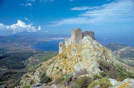 Elba Island and its haunted Volterraio Castle #tuscany #italy