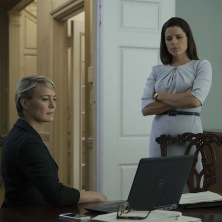 Who Is Leann Harvey On 'House Of Cards' Season 4? Neve Campbell's Character Is Important To Claire   Romper