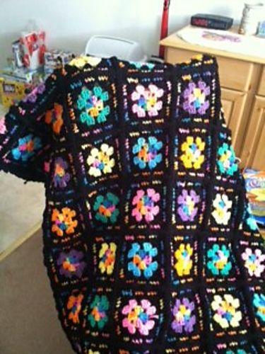 Granny's Jewels Blanket By Coats & Clark - Free Crochet Pattern - (ravelry)