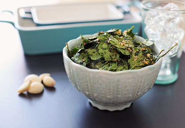 "Garlic bread"" spinach chips (like kale chips) - olive oil, seasoning ..."