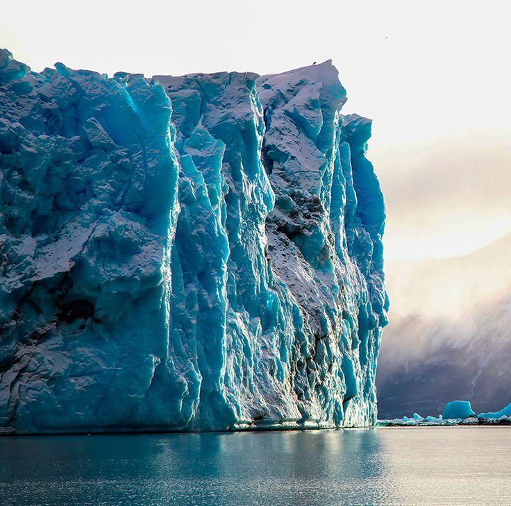 Un viaje al Glacial Perito Moreno en la Patagonia, es una experiencia que marcará tu vida. ¿Qué te parece?  #GrupoLarMéxico #México #Espacios #España #Arte #Arquitectura #Historia #Belleza #followforfollow #GreatPlaceToMeet #Colores #FollowToFollow #Photooftheday #Design #Glacial #Patagonia #Argentina #Paisaje