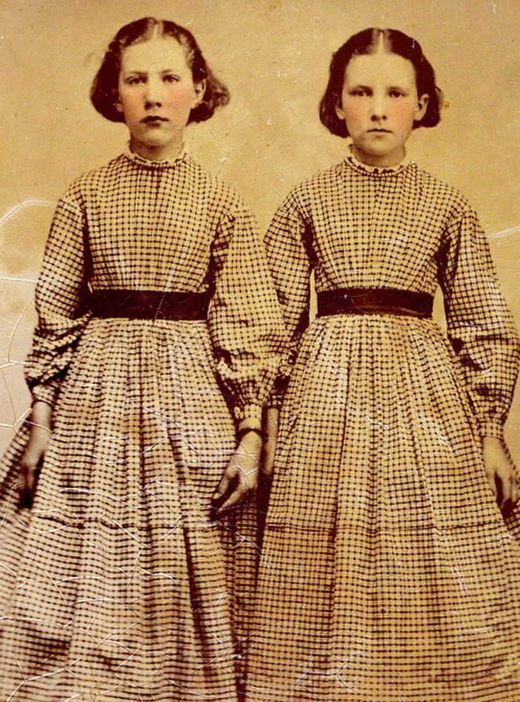 ▫Duets▫ sisters, twins & groups of two in art and photos - Victorian sisters