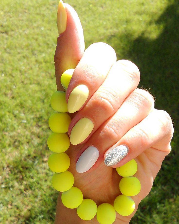 #homemadenails #semilac #summer #nails #nail4fun #nails2inspire #nailswag #nailsart #instanails #instagirl #banana #strongwhite #hibrid #mynails #beautynails #nailsaddict #mani #sunny #manicure #semilacnails #hybrids #hybrydowe #beauty #sexy #glamour