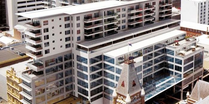 Apartamento - Venta BELLA VISTA, SANTO DOMINGO DE GUZMÁN, DISTRITO NACIONAL    USD$800,000.00  Excelente apartamento, uno por nivel, vista a la avenida Anacaona espacios claros, muy fresco, excelentes vecinos. 3 habitaciones , 3 baños ,465.00 metros de construcción , piso 4 ,RD$26,000.00 de mantenimiento  Agente/es inmobiliario